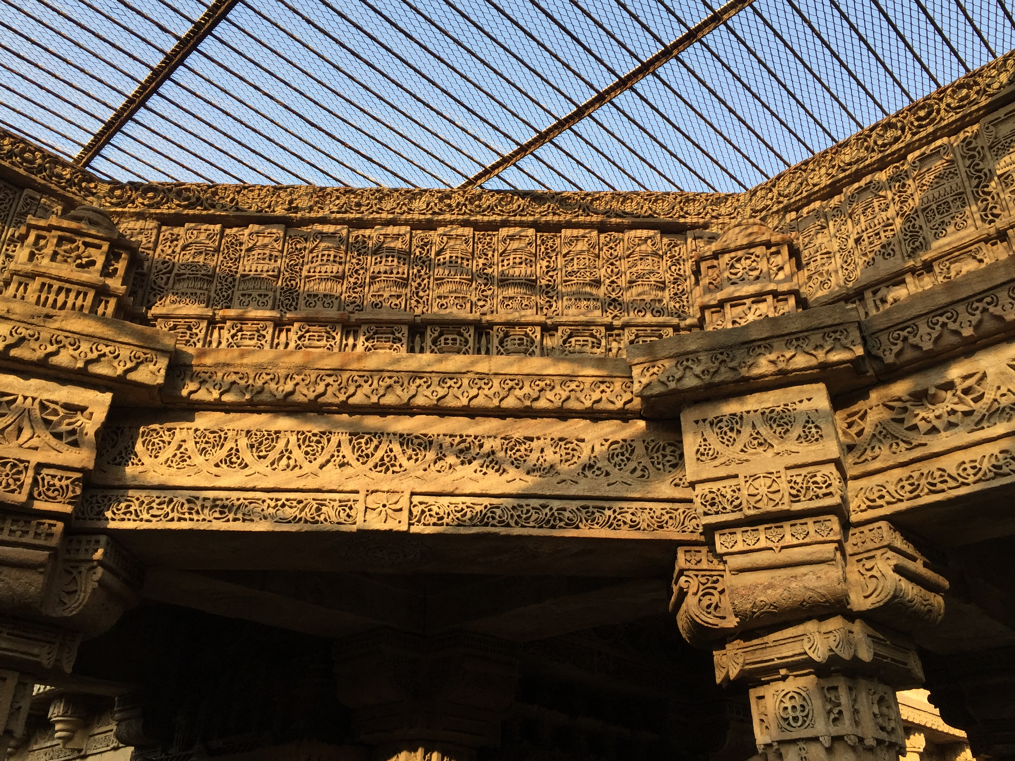 adalaj - intricate designs in basement 1